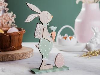 Figurka drewniana  ozdoba świąteczna na wielkanoc pan zając z marchewką i pisanką altom design 21 x 15 cm