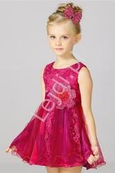 Sukienka dla dziewczynki w kolorze fuksji