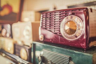Stare radio - plakat Wymiar do wyboru: 84,1x59,4 cm