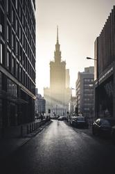 Warszawa Na horyzoncie Pałac Kultury i Nauki - plakat premium Wymiar do wyboru: 100x140 cm