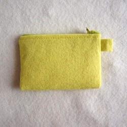 Filcowy portfel dekoracyjny - limonkowy - LIM