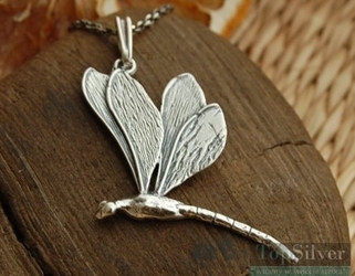 Ważki w locie - srebrny wisiorek