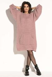 Pudrowa swetrowa  oversizowa sukienka z kieszenią kangurką