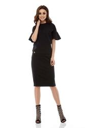Czarny casualowy komplet bluzka z falbanką i ołówkowa spódnica