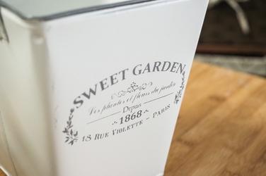 Metalowa osłonka na doniczkę sweet garden kwadratowa 15.5 cm