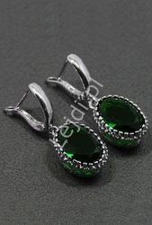 Srebrne kolczyki z owalnym kryształkiem, zielone