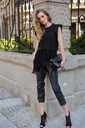 Czarna bluzka z tiulową baskinką