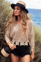 Beżowy krótki sweter w szpic z efektem rozdarcia