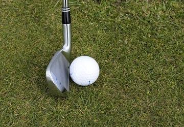 Fototapeta na ścianę kij do golfa z piłką fp 1216
