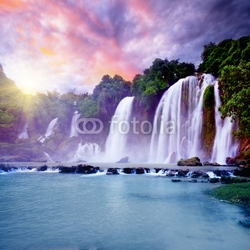 Plakat na papierze fotorealistycznym banyue wodospad