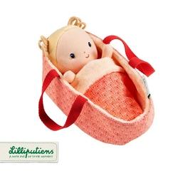 Lalka dzidziuś w koszyczku z ubrankiem i kocykiem lilliputiens - anais