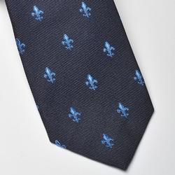 Elegancki granatowy krawat jedwabny ascot w niebieskie lilijki