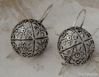 Ażurowe półkule - srebrne kolczyki kulki