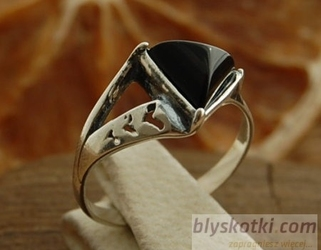 Nadina - srebrny pierścionek z onyksem