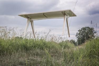 Swallows tail furniture :: stół st calipers