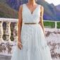 Biała sukienka z tiulu paris z falbaną na dole