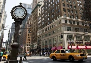 Zegar na avenue, new york - fototapeta 366x254 cm