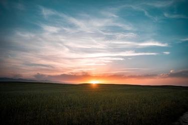 Fototapeta na ścianę polana z zachodzącym słońcem fp 4769