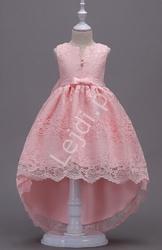Jasno różowa sukienka koronkowa z trenem 139
