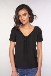 Czarna bluzka z wiązaniem przy dekolcie v