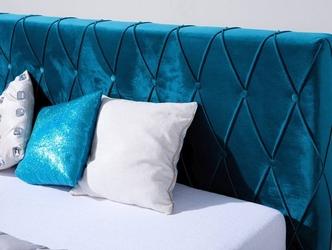 Klasyczne łóżko tapicerowane do sypialni bianca pikowane guzikami wzór karo