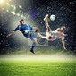 Plakat dwóch piłkarzy uderzając piłkę