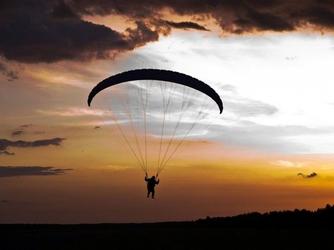 Lot paralotnią z akrobacjami - trójmiasto - dla dwojga