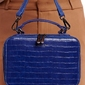 Torebka kuferek dwustronny niebieski david jones 6145-3 - niebieski