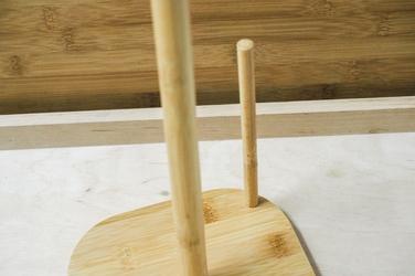 Drewniany stojak na ręczniki papierowe h-35 cm