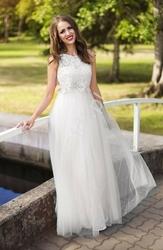 Tiulowa suknia ślubna z koronkową górą imitująca bolerko z kryształkami 2118
