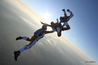 Skok ze spadochronem z wideorejestracją dla dwojga - poznań - bednary