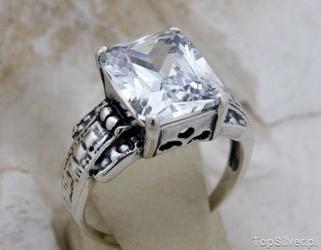 Aleros 3 - srebrny pierścionek z cyrkonią