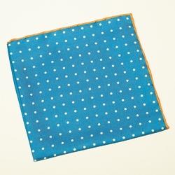 Niebieska poszetka w białe kropki z pomarańczową obwódką