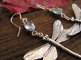 Ważki - srebrne kolczyki z naturalnym akwamarynem