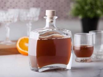 Butelka  karafka do whisky, nalewki, na wino hrastnik callisto 750 ml z korkiem