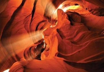 Promienie słońca w kanionie - fototapeta
