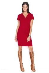 Czerwona dresowa sukienka w serek z zakładkami na boku