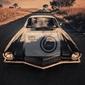 Plakat klasyczny samochód sportowy na wiejskich drogach
