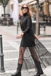Czarna sukienka z golfem z tiulowym dołem