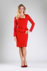 Czerwona wizytowa dopasowana sukienka z falbankami