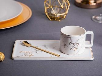 Kubek ze spodkiem i łyżeczką altom design marble gold 220 ml