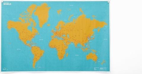Mapa crumpled world z nazwami miast