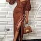 Długa suknia wieczorowa w kolorze cegły z złotą nicią 368