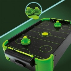 Neonowy air hockey
