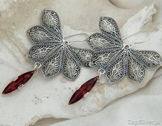 Roksa - srebrne kolczyki z granatem