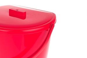 Bentom wiadro przyścienne z pokrywą 11 l - czerwone