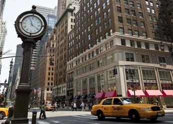 Zegar na avenue, new york - fototapeta