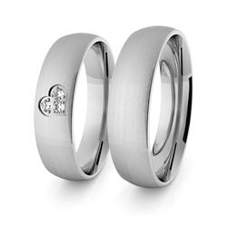 Obrączki ślubne klasyczne z białego złota niklowego 5 mm z sercem i brylantami - 74