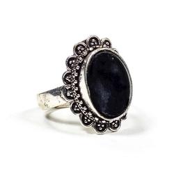 Pierścionek z czarnym turmalinem mosiądz - kolor srebrny