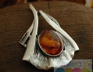 Nadina - srebrny wisiorek z bursztynem